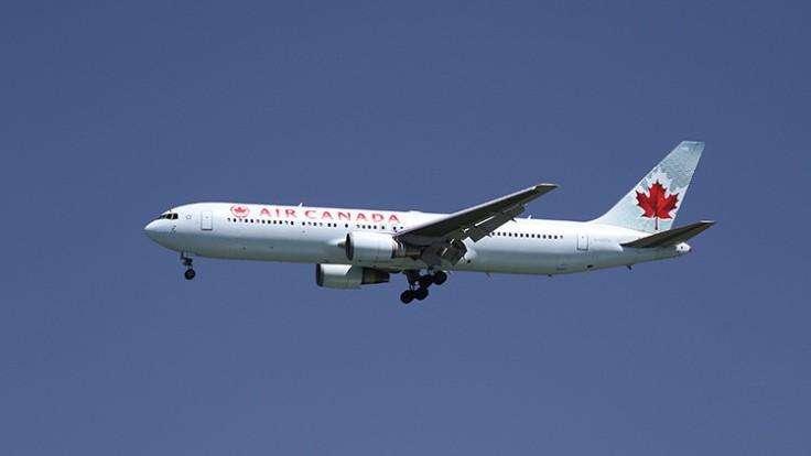 Desvían un vuelo de Air Canada con destino a Toronto por informes de 20 heridos a bordo. Desvían un vuelo de Air Canada con destino a Toronto por informes de 20 heridos a bordo